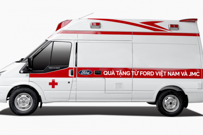 Ford Việt Nam tặng xe cứu thương cho BV Nhiệt đới Trung ương